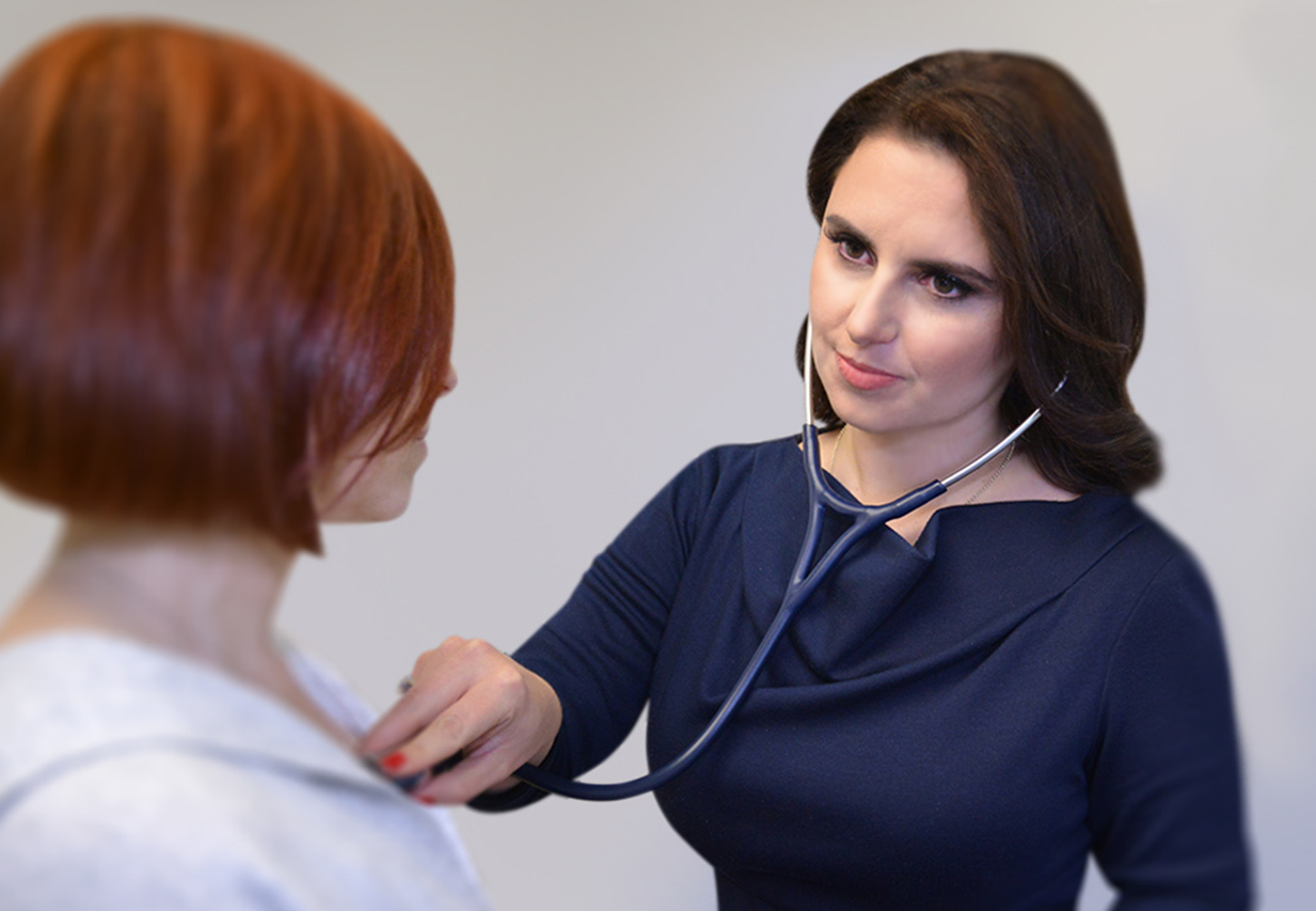Dr. Caryn Borger examines a patient